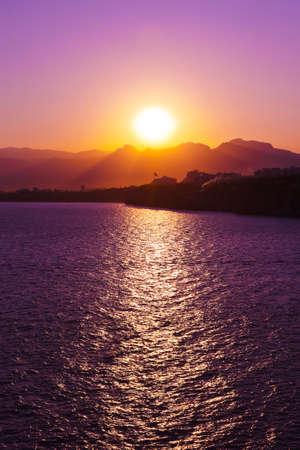 ビーチ - 自然休暇背景の夕日