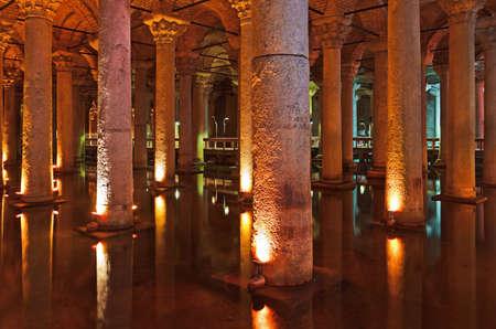 cisterna: Aguas subterr�neas Cisterna Bas�lica - Estambul Turqu�a