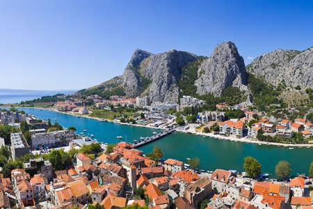 町 Omis のクロアチア - 旅行の背景