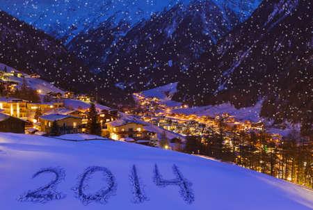 雪の山で 2014 年 Solden オーストリア - お祝いの背景 写真素材