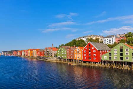 Cityscape van Trondheim, Noorwegen - architectuur achtergrond