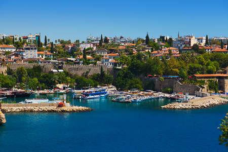 안탈 야 터키 - 여행 배경에서에서 오래 된 마을 Kaleici