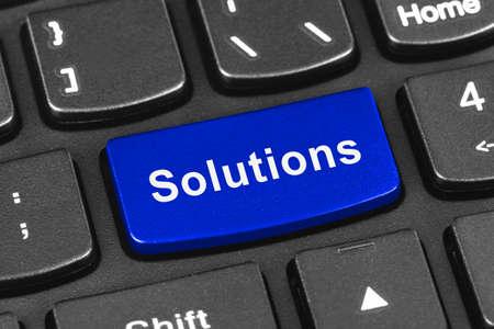 Computer notebook toetsenbord met Solutions - technologie achtergrond