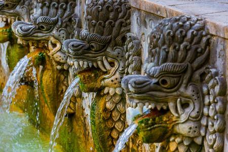 발리 섬 인도네시아의 온천 Air Panas Banjar - 여행 및 건축 배경 스톡 콘텐츠