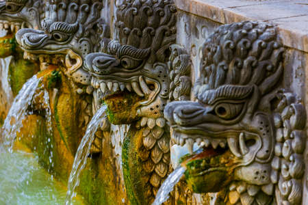 Hot Spring Air Panas Banjar in Bali Island Indonesië - reis en architectuur achtergrond Stockfoto - 60027697