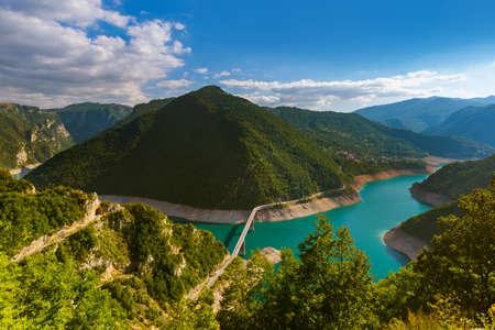 Piva Canyon au Monténégro - fond de voyage de la nature Banque d'images - 79055939
