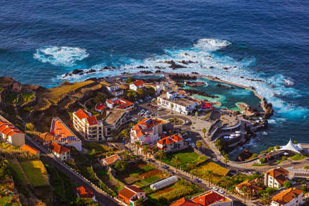Porto Moniz in Madeira Portugal - reisachtergrond Stockfoto