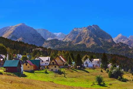 마을 Zabljak Durmitor에서 - 몬테네그로 - 여행 배경