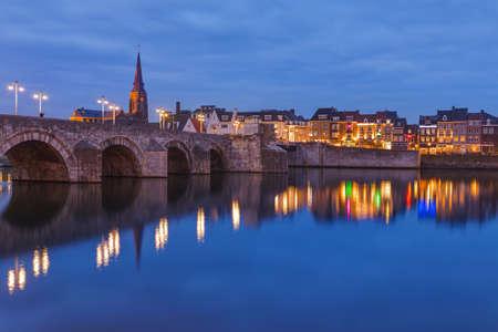 Paysage urbain de Maastricht - Pays-Bas - fond d'architecture Banque d'images