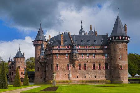 Zamek De Haar w pobliżu Utrechtu - Holandia - architektura tła