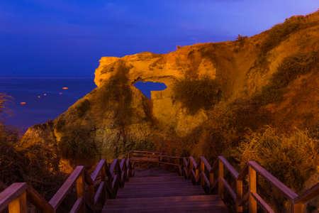 Beach near Albufeira - Algarve region in Portugal Standard-Bild - 122028621