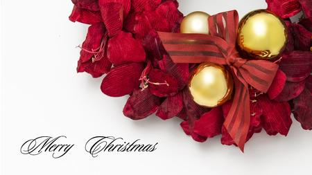merry christmas text: Primer de la decoraci�n de la Navidad con el texto Feliz Navidad aislado en blanco