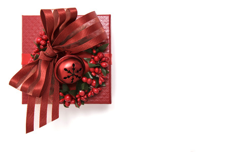 luxuriously: Luxuriously decorated red gift box, isolated