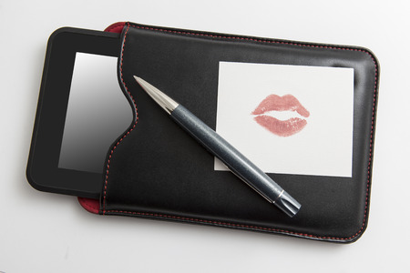 buss: Notebook in leather case with pen and love message