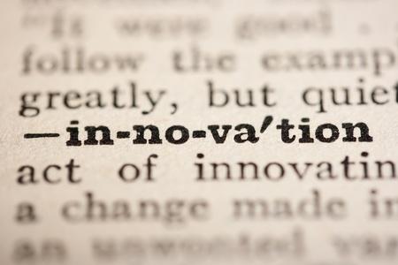 diccionarios: La palabra innovaci�n del diccionario antiguo, un cierre arriba.