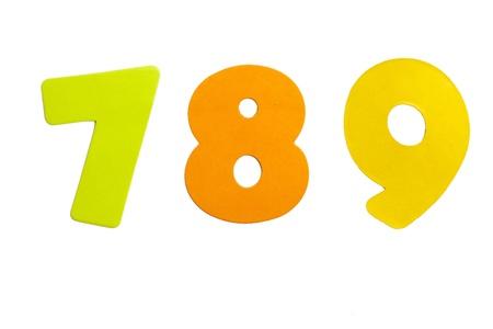 Een set nummer 789 in de vorm van stickers op een witte achtergrond.