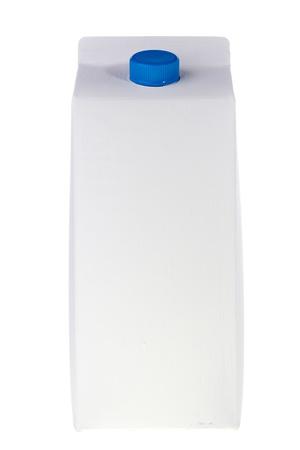 carton de leche: Blanco leche o jugo de caja aislado en un fondo blanco. Foto de archivo