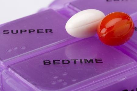 pilule: Cuadro de medicamentos que muestra los d�as de la semana.