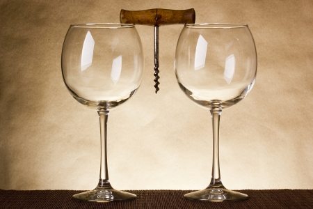 ワイン 2 杯で創造的な古いコルク抜き