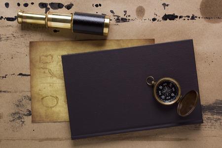 Blatt der Kompass, das Thema der Reise. Standard-Bild