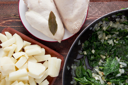 Ingredients composes the basis of spinach soup.