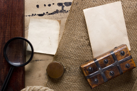 old items: Vintage items - association with the old and the search for the treasure. Stock Photo