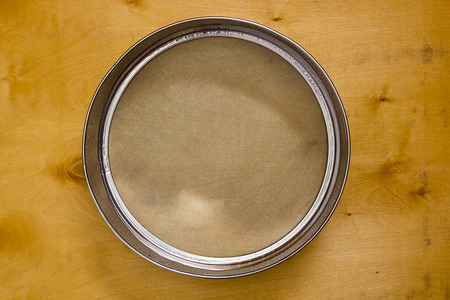 bolter: Sieve - a tool for sifting flour and its oxygen saturation.