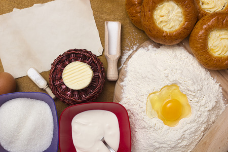 cottage cheese: Ingredients for baking cheesecakes with cottage cheese.