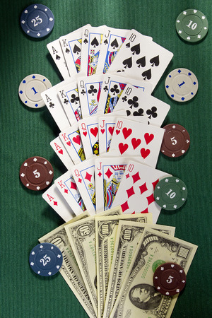 combinations: Winning combinations in poker on the green cloth