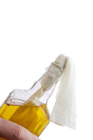 Glas Brandbombe oder ein Molotow-Cocktail auf einem weißen Hintergrund Standard-Bild - 59043530