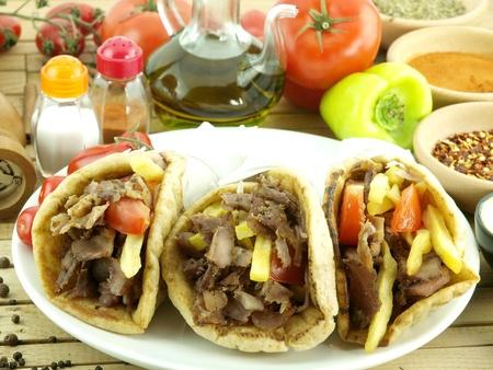gyros: Gyros or kebab