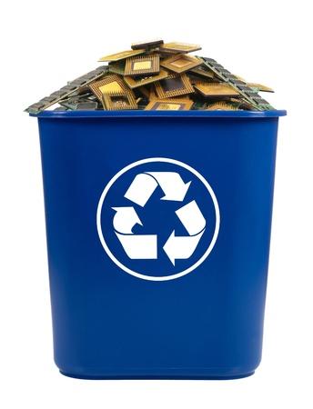 papelera de reciclaje: Papelera de piezas de equipo en la Papelera de reciclaje
