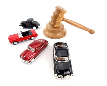 Hamerveiling met antiekauto's Stockfoto