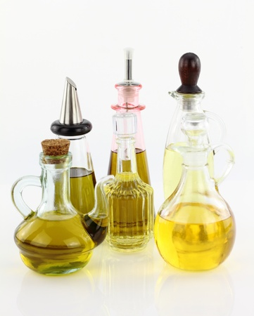 aceite de cocina: Varias botellas de aceite de oliva