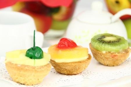cream puff: Creamy dessert tarts with fruits