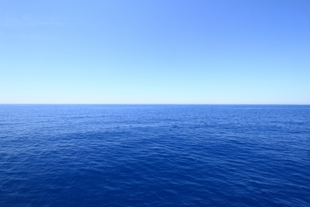 Blue sea and sky horizon photo