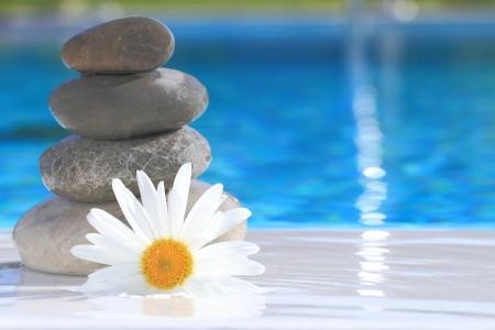 piedras zen: Zen piedras pir�mide Foto de archivo