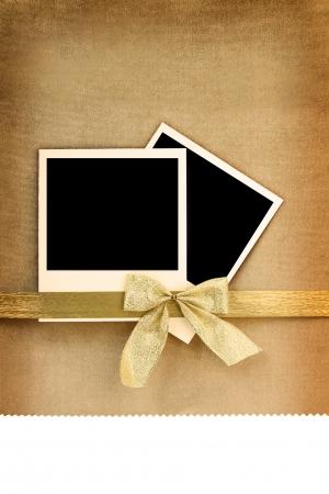 wedding photo frame: Polaroid photo frame su sfondo d'epoca