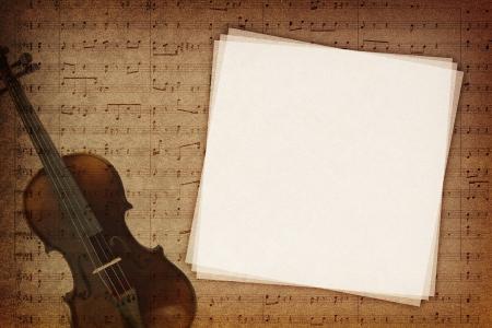 chiave di violino: Note di musica su sfondo trama di tessuto con copia-spazio