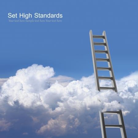 escaleras: Cielo azul con nubes y escalera, camino al concepto de éxito