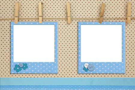 bautismo: Marcos de fotos azul colgando de una cuerda