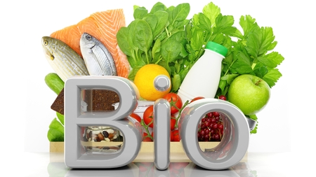 biologia: bolsa de papel de portarretrato con productos sanos y palabra Bio 3D, aislado en blanco