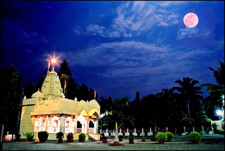 focal: In this photo, moon and temple,multi exposed on a single frame with different focal length and exposure.