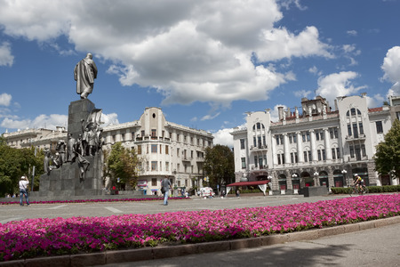 national poet: KHARKOV UKRAINE  JUNE 22 2014: Shevchenko monument in Kharkiv. Place the collection of proEuropean Ukrainian citizens Editorial