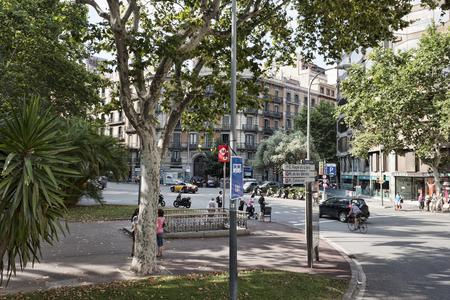 バルセロナ, スペイン - 2013 年 7 月 13 日: プラザ ウルキナオナ バルセロナ - バス観光ルートの停止の 1 つで 報道画像