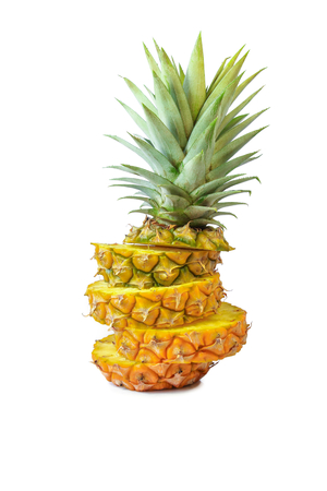 clima tropical: La piña fresca con las hojas, Tropical, Fruta, fondos blancos.