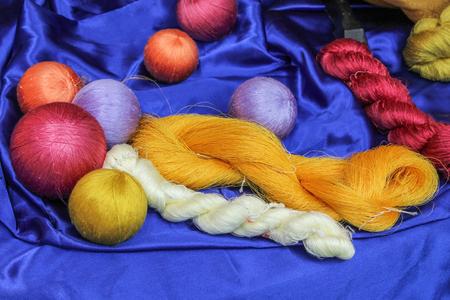 weave ball: Hand made of raw  silk thread.