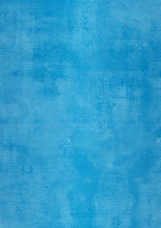 estuco: Oscuridad y la luz pintada de azul o de la pared de yeso, da�ado, grunge, sucio Foto de archivo