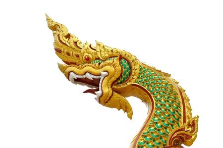 Naga en el templo de Tailandia en el fondo blanco