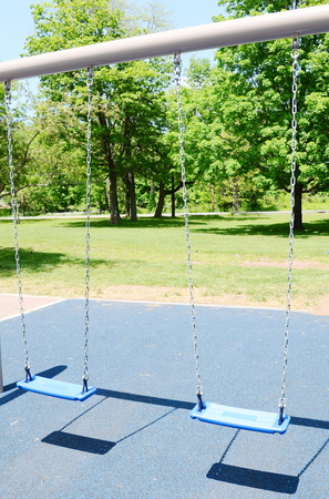 play the old park: swing